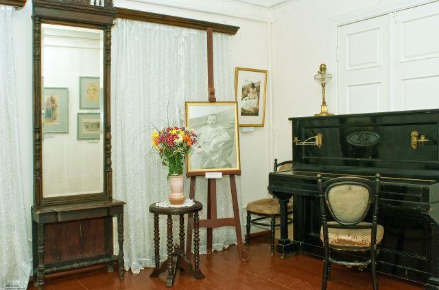 Весна 2010 года.  В залах музея. Фото Валерия Кузьменко