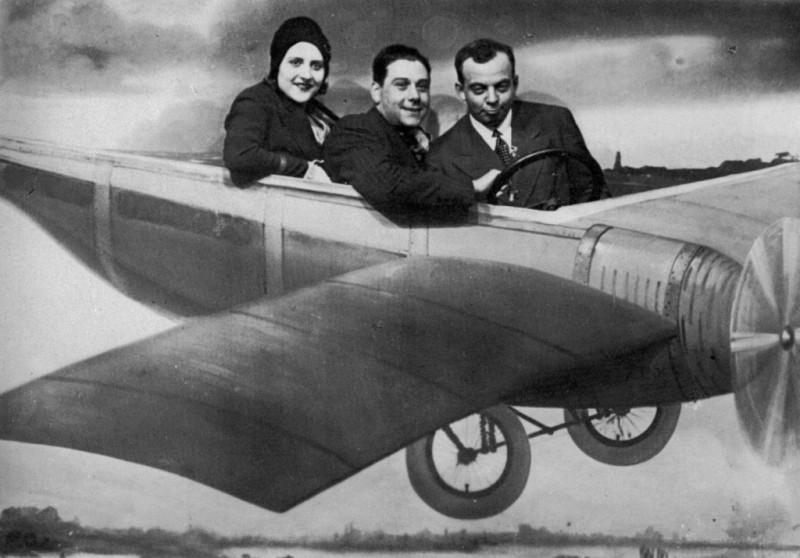 Антуан де-Сент-Экзюпери с женой Консуэло и другом-лётчиком Анри Гийоме