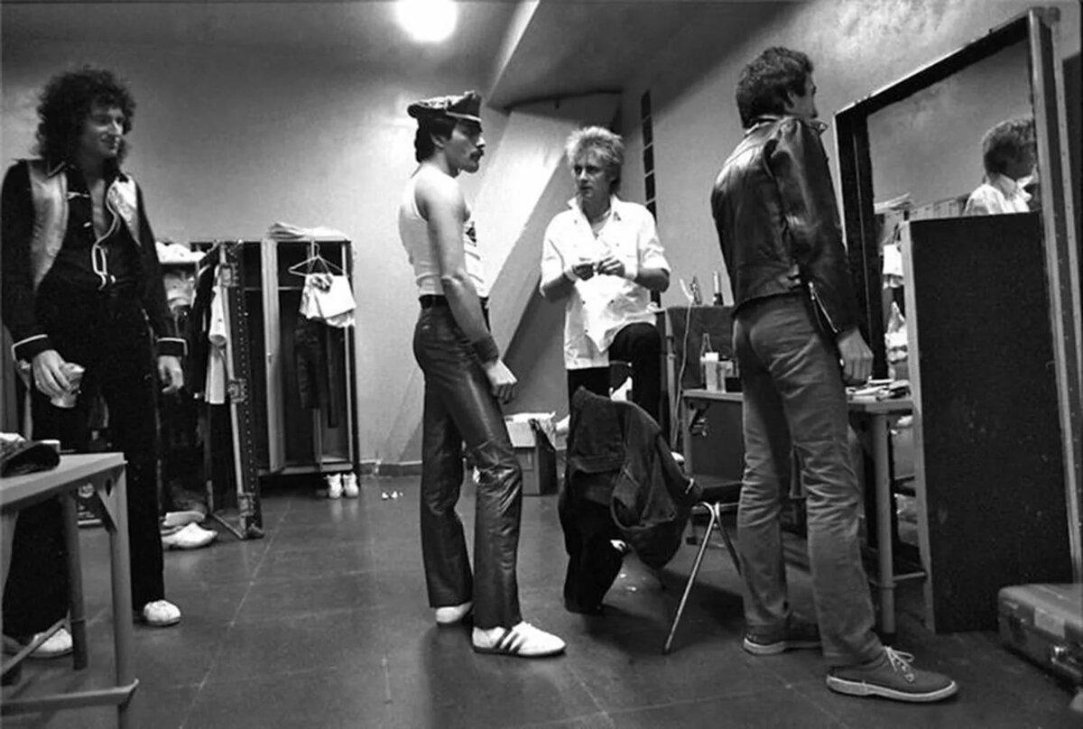 Queen: бэкстейдж на Morumbi Stadium, Сан-Паулу, Бразилия, 20-21 марта 1981 года (photo © Neil Preston)