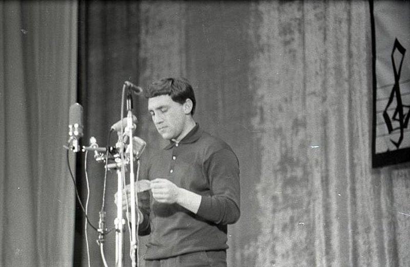 Владимир Высоцкий в Ленинграде, клуб «Восток», 18 января 1967 года. Фото Галины Дроздецкой
