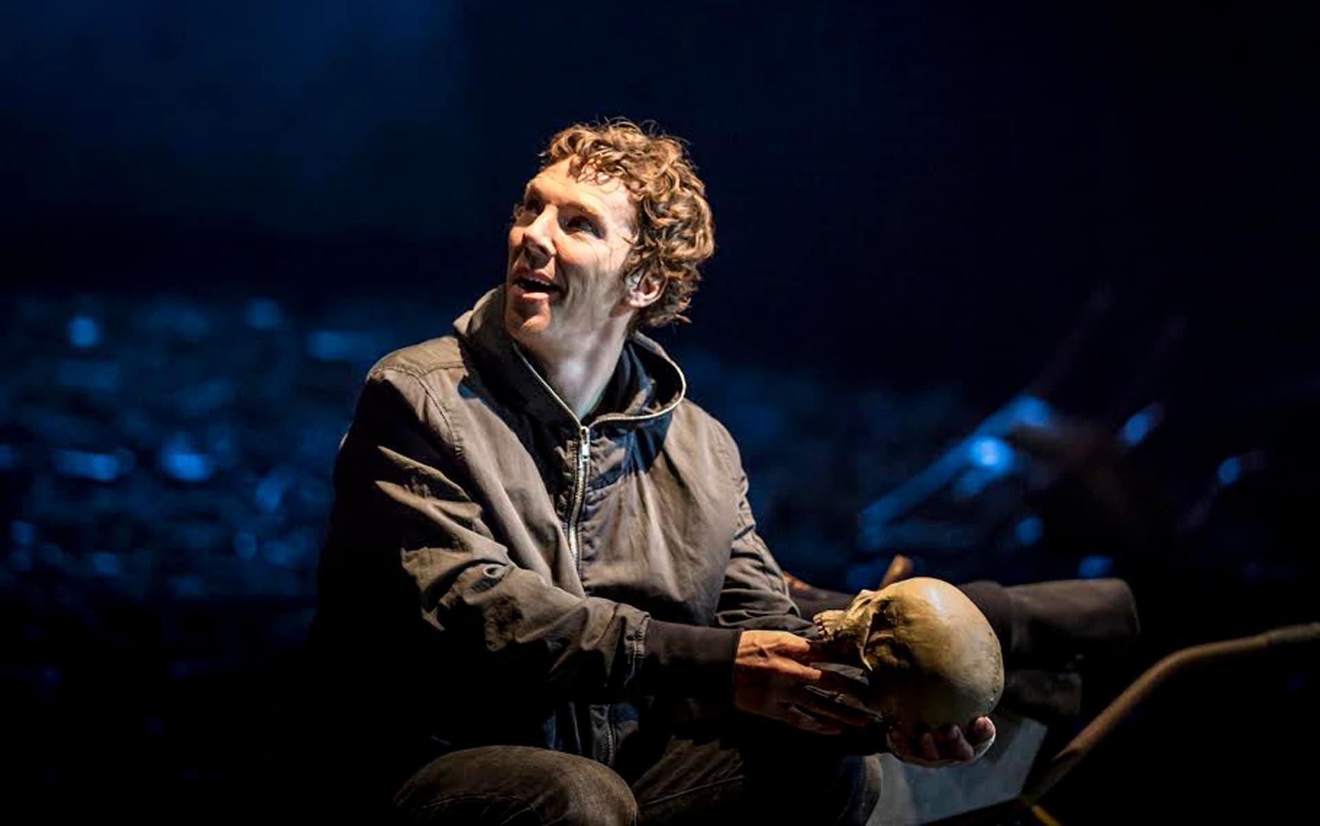 Бенедикт Камбербетч в роли Гамлета (National Theatre Live: Hamlet, 2015)