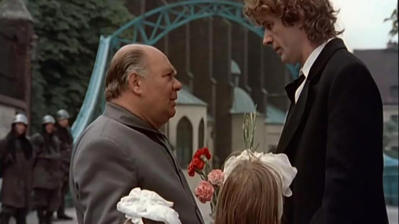 Кадр из фильма «Убить Дракона» (реж. Марк Захаров, 1988)