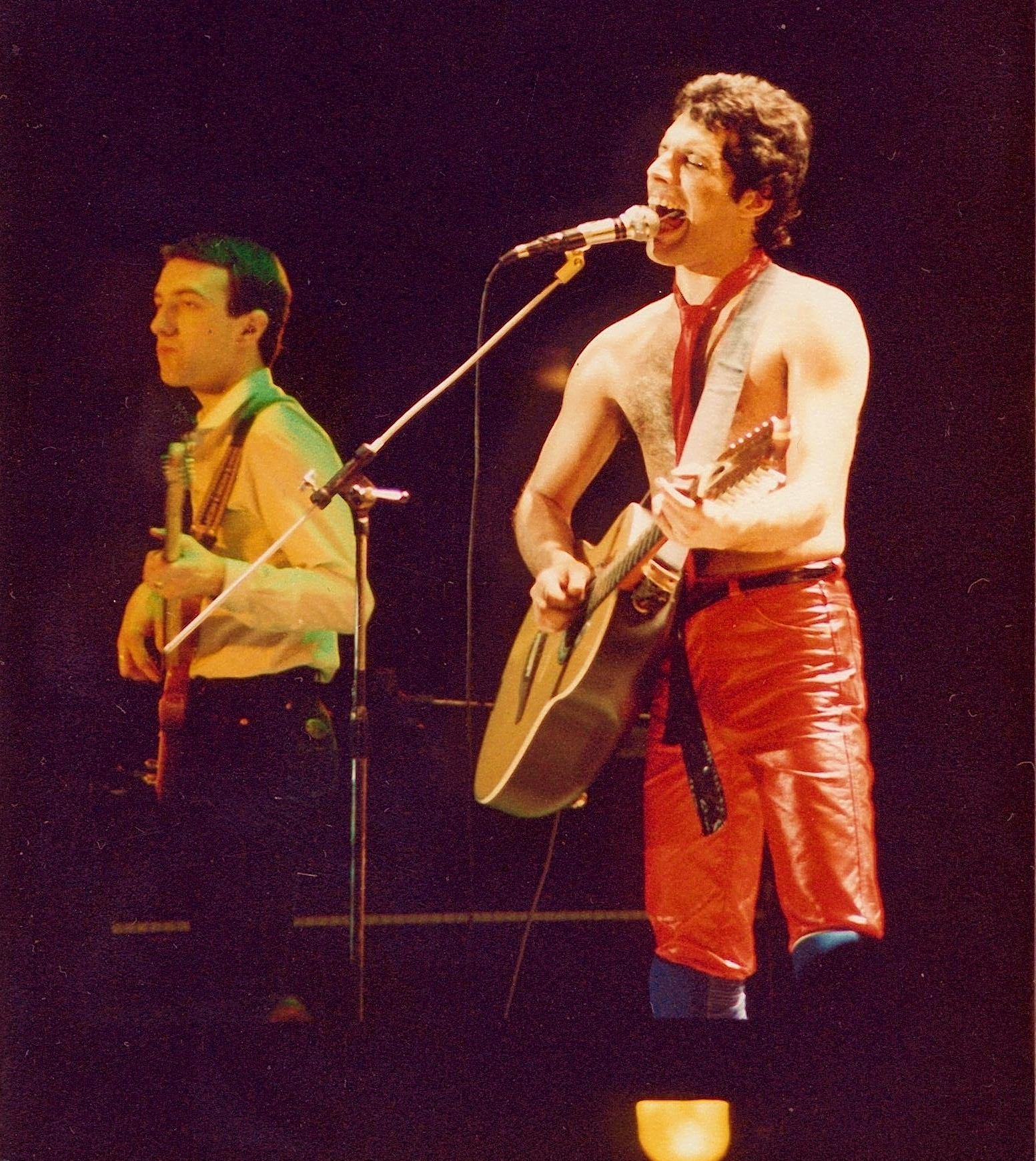 Джон Дикон и Фредди Меркьюри, концерт в Брайтоне, 10 декабря 1979 года