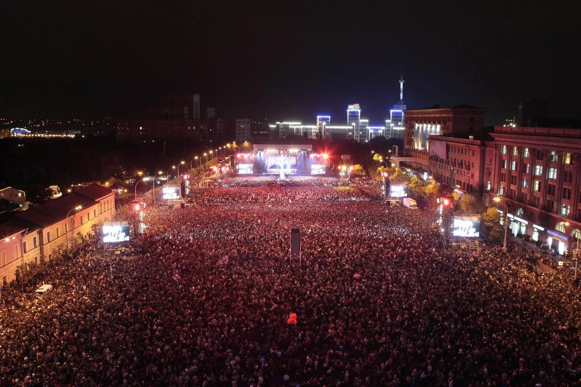 Концерт Queen в Харькове 12 сентября 2008 года
