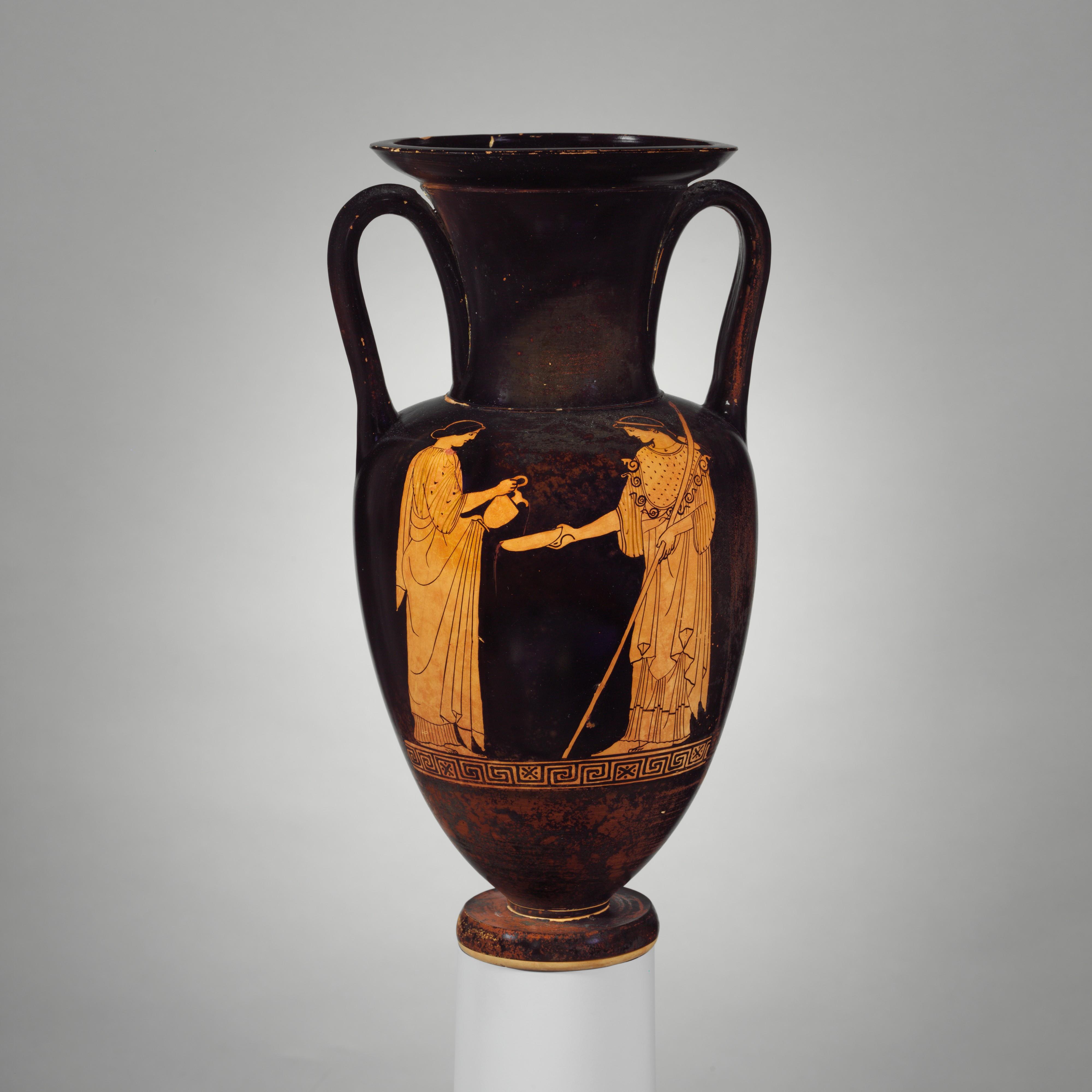 Сцена с аверса амфоры: женщина, совершающая возлияние Афине; ок. 460 — 450 гг. до н. э. (Метрополитен-музей, Нью-Йорк)