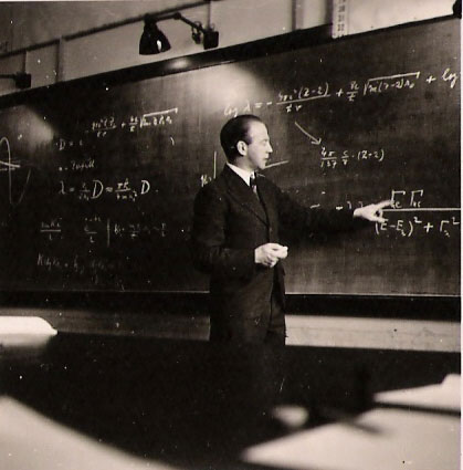 Вернер Гейзенберг на лекции
