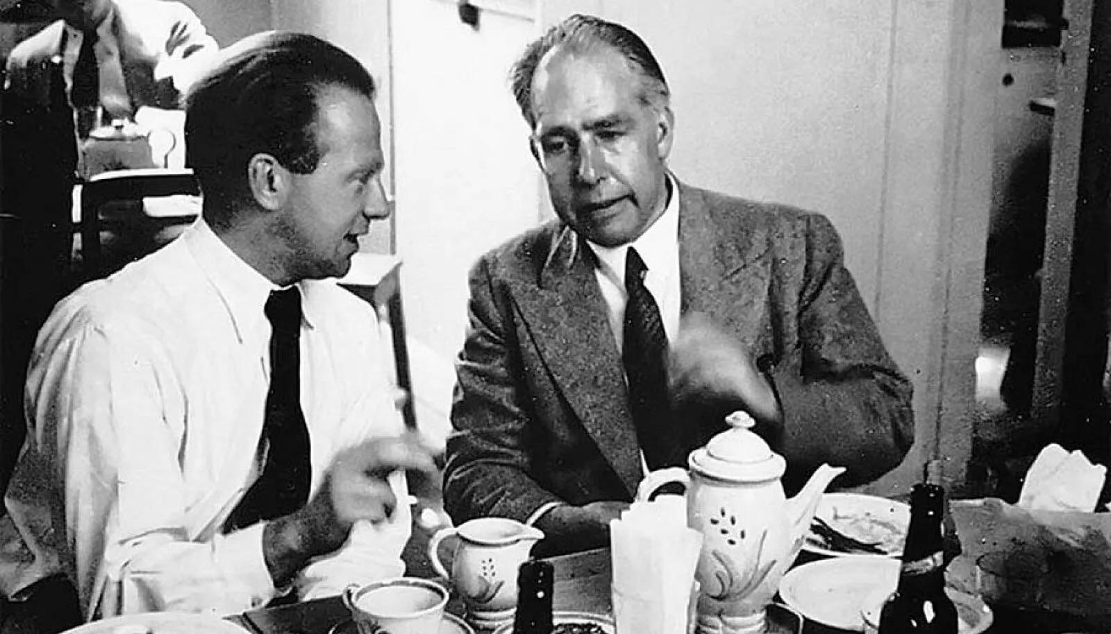 Другой ракурс: Вернер Гейзенберг и Нильс Бор в Копенгагене (начало 1930-х; Emilio Segrè Visual Archives, American Institute of Physics)