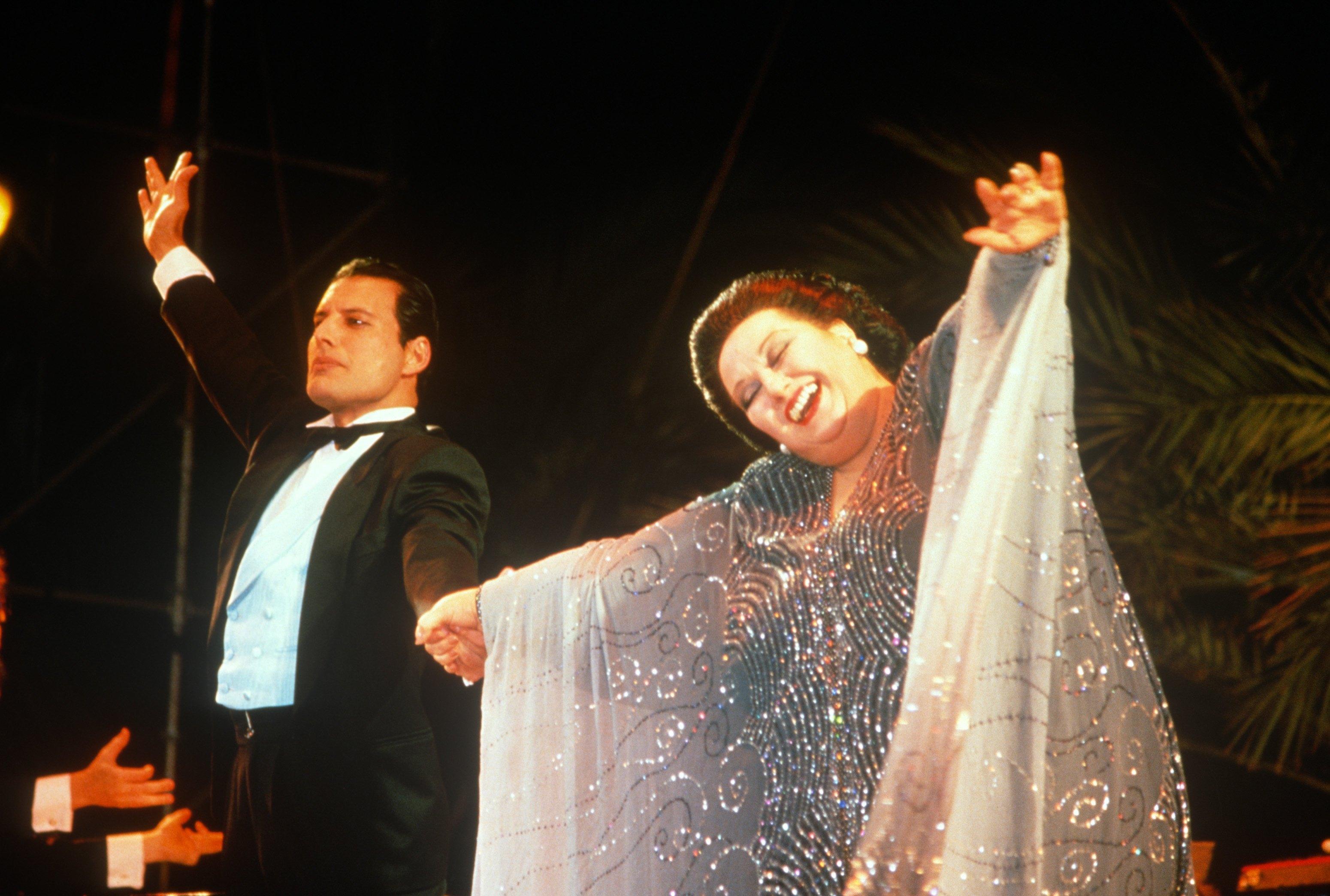 Фредди Меркьюри и Монтсеррат Кабалье на выступлении в KU club Ibiza, 29 мая 1987 года