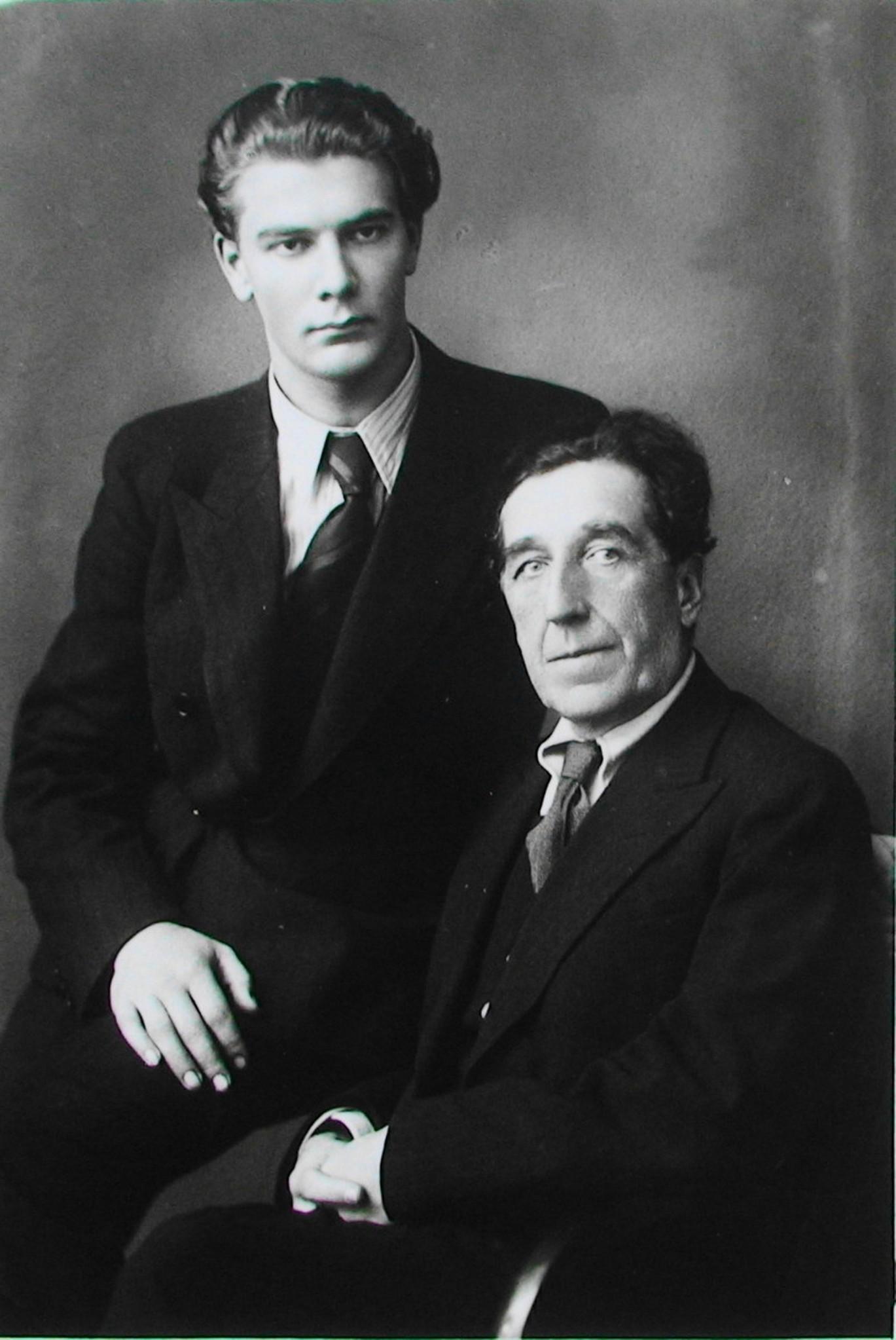 Эстонский поэт Алексис Раннит и Игорь Северянин. 1939 год