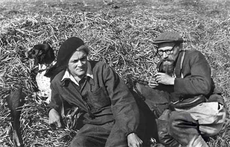 А.А. Реформатской со второй женой Надеждой Васильевной на охоте под Удельной. 18 сентября 1949 года