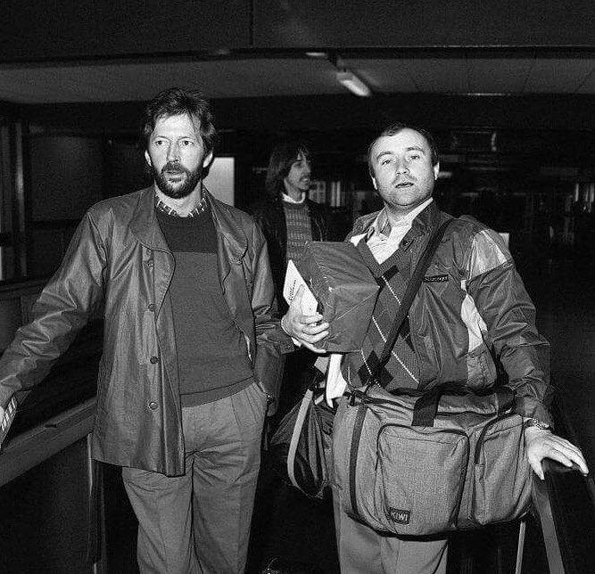 Эрик Клэптон и Фил Коллинз в аэропорте Хитроу, Лондон (конец 1980-х)