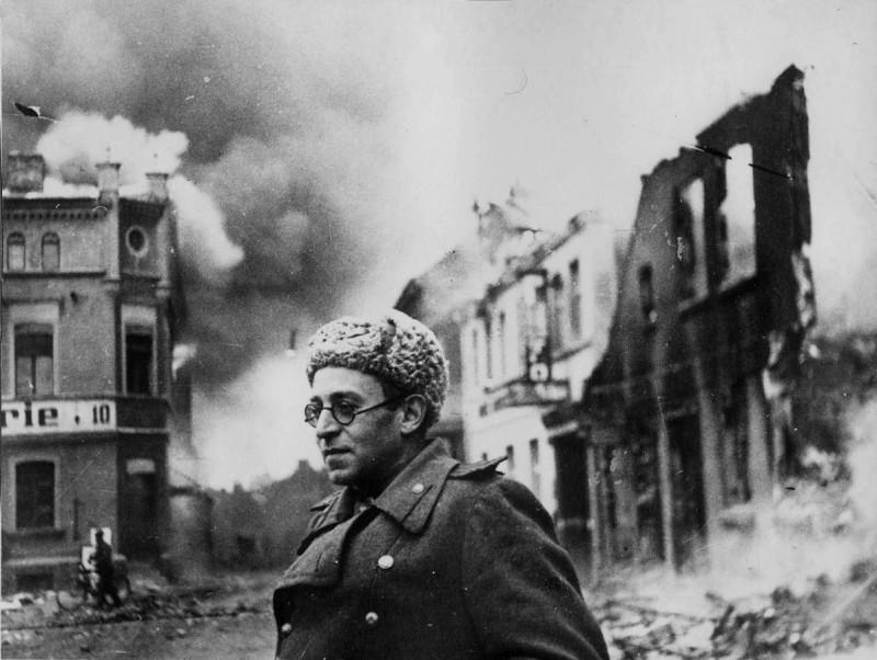 Василий Гроссман в Шверине, 1945 г.