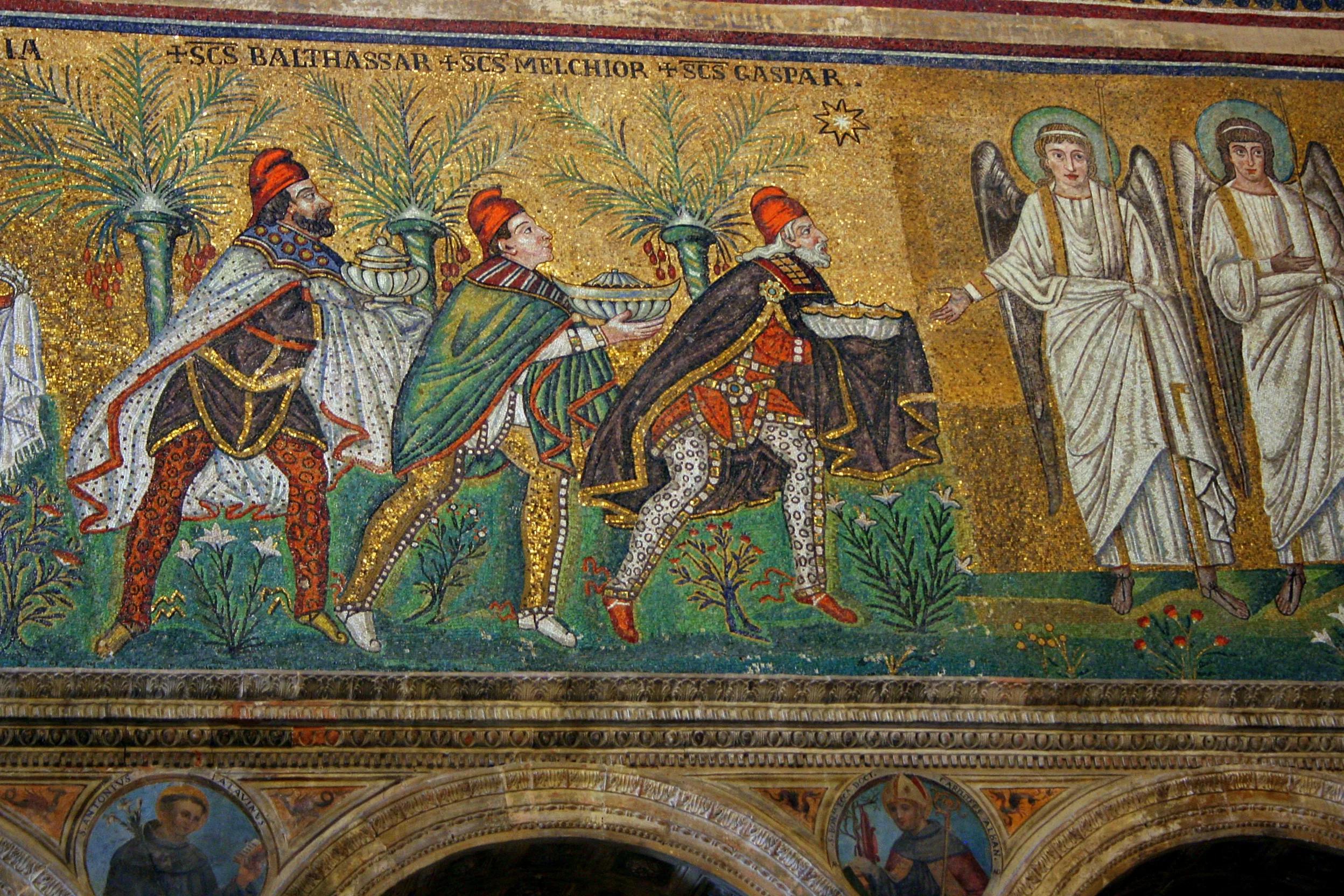 Фрагмент мозаики в церкви Сант-Аполлинаре-Нуово в Равенне с именами волхвов