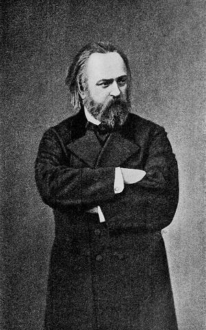 Александр Иванович Герцен то ли в сюртуке. то ли в пальто