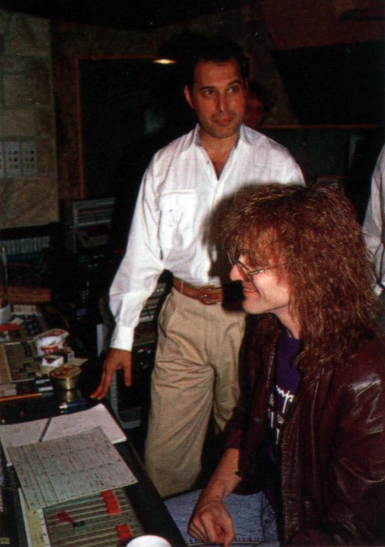 Майк Моран и Фредди Меркьюри во время сессий Barcelona в Mountain Studios, Монтрё, 1988