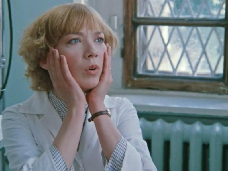 Здесь и далее: кадры из фильма «Покровские ворота» (реж. Михаил Козаков, 1982)