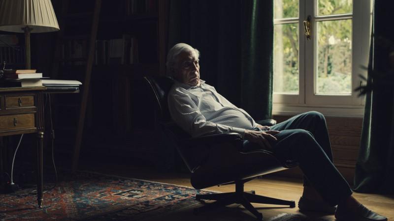 Марио Варгас Льоса в своем доме в Мадриде © Кристофер Андерсон, 2017