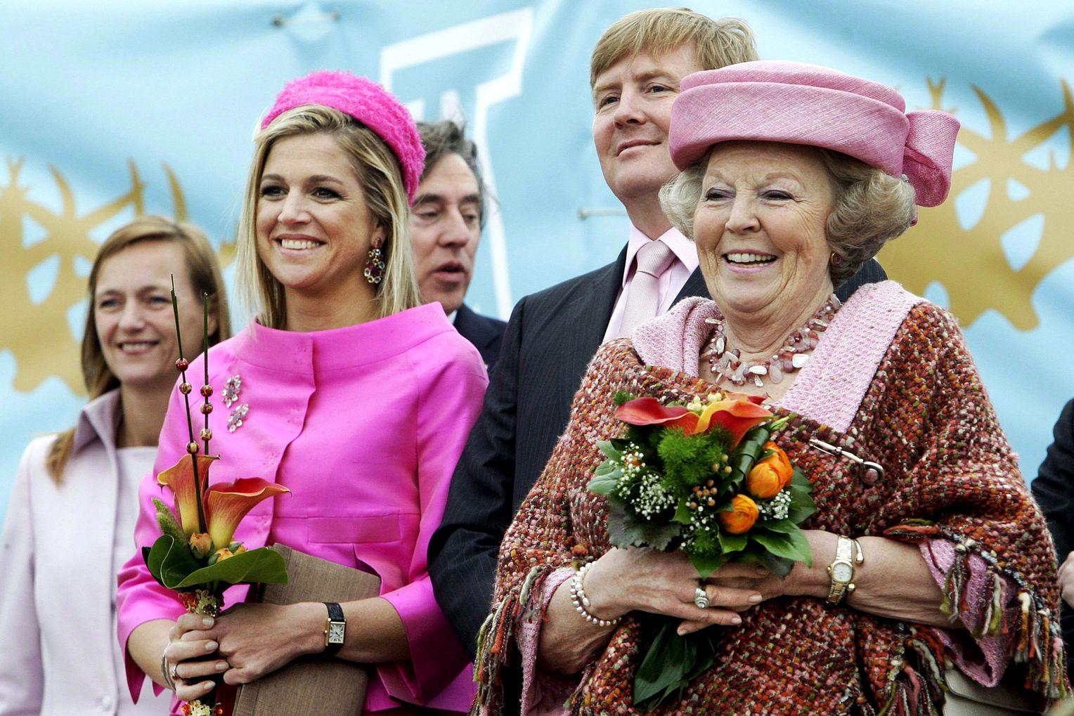 Королева Беатрикс с с принцем и принцессой на Конингиннедаге, 2010