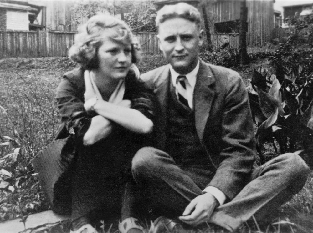 Фрэнсис Скотт Фицджеральд с женой Зельдой