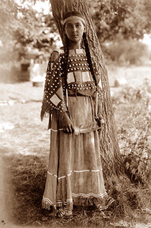ljusil1907siukjortis