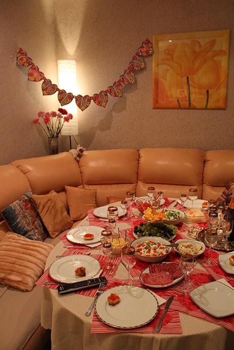 21- Праздничный стол