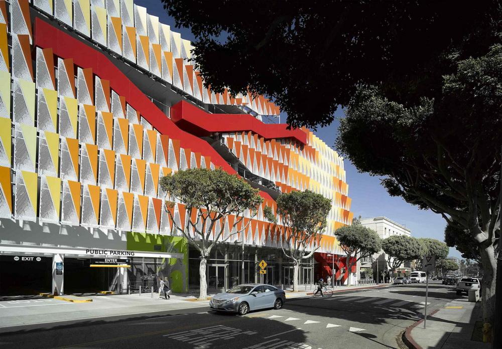 53d05fa1c07a80459b00004e_city-of-santa-monica-parking-structure-6-behnisch-architekten-studio-jantzen_behnisch_architekten-s_city_of_santa_monica_parki_resize