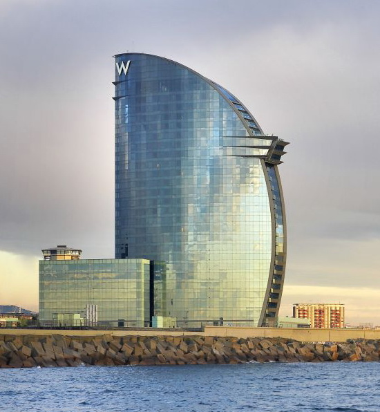 50ae4d01b3fc4b2785000060_w-barcelona-hotel-ricardo-bofill_ricardo_bofill_taller_arquitectura_exteriors_-16-
