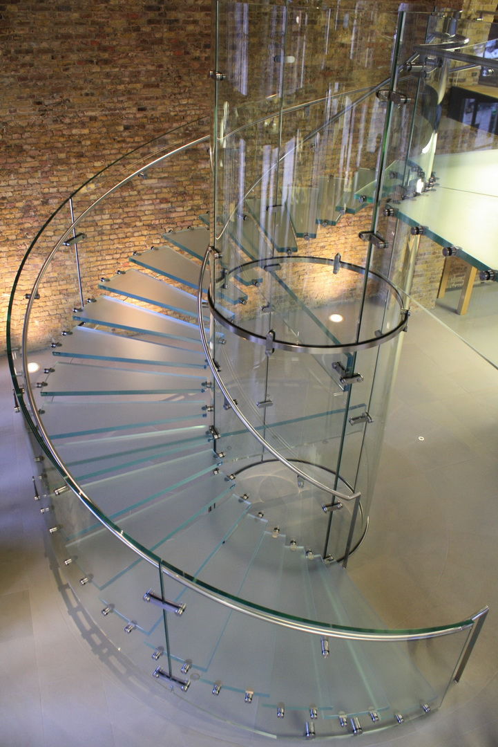 apple_glass_stairs_by_nisa10-d4nuazj_resize