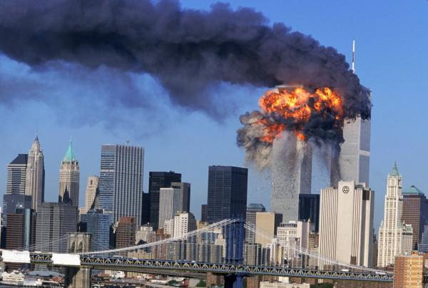 Атака на башни близнецы в Нью-Йорке 11 сентября 2001 года.jpg