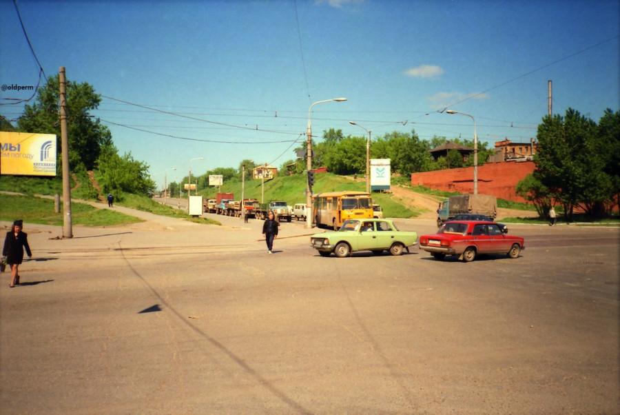 Пермь перекресток Коммунистическая Петропавлоская-Попова 1999 год.jpg