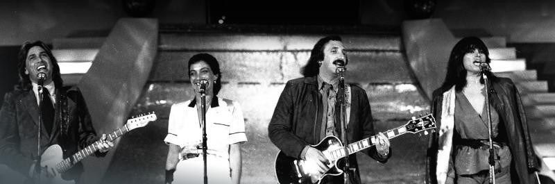I Ricchi e Poveri intonano Sarà perché ti amo al Festival di Sanremo 1981.jpg