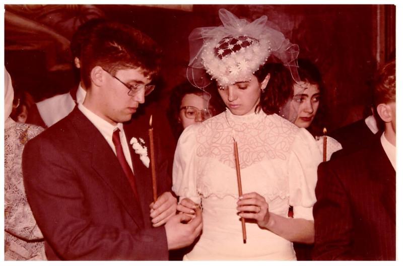 Свадьба Антон и Ольга Толмачевы 26 апреля 1991 года венчание.jpg