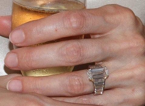 Кольцо Анжелины Джоли