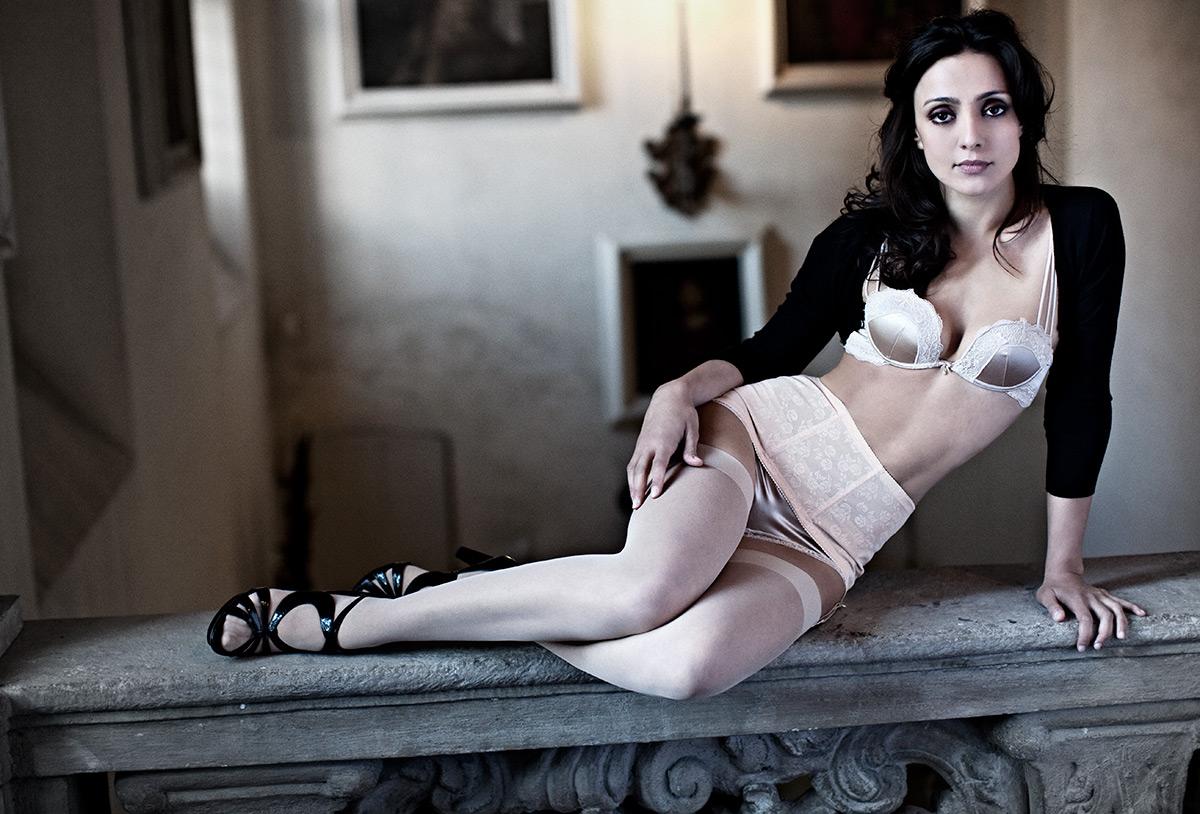 Ambra Angiolini Topless ambra angiolini in versione supersexy: legrazie — livejournal