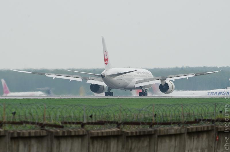 Boeing 787 dreamliner JA825J