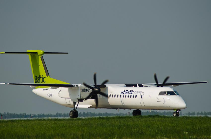 De Havilland Canada DHC-8 YL-BAH