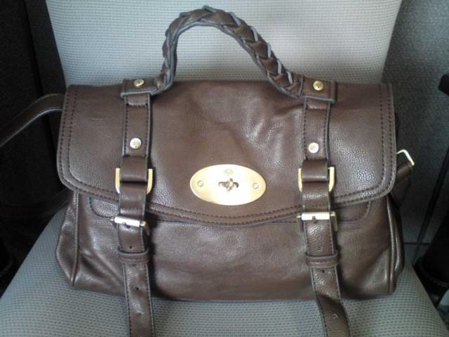 It s a good replica of a Mulberry Alexa bag 88955ed06766e