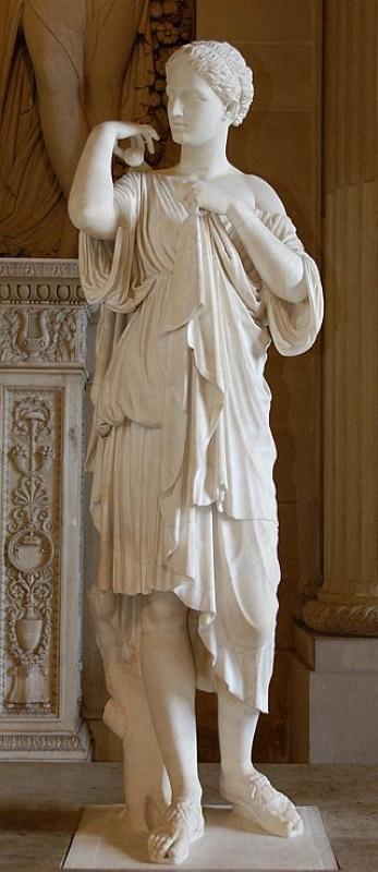 «Диана Габийская», мраморная римская копия греческого оригинала «Артемиды Бравронии»