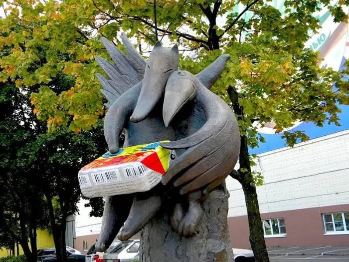 Памятник плавленному сырку «Дружба», Марина Лескова