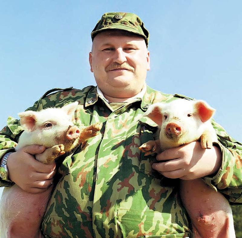 фото прикол толстого мужика в военной форме вас есть