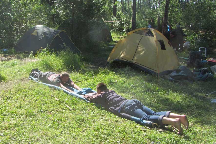 68 сворачивают палатки А6нет