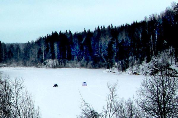 6 палатки на снегу А6нет