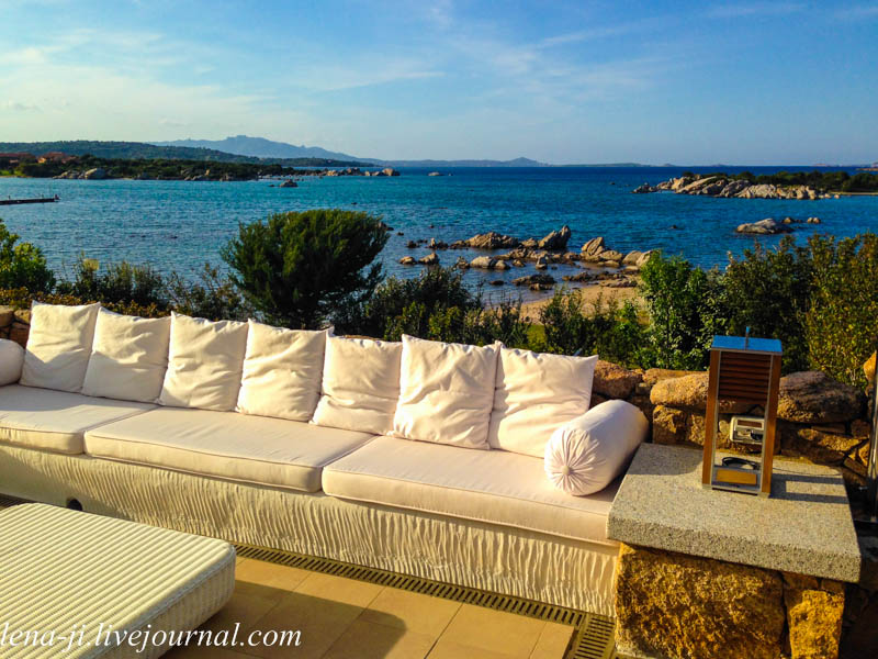 How much is the apartment in Porto Rotondo in rubles