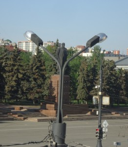 площадь революции ленин на фонаре.JPG