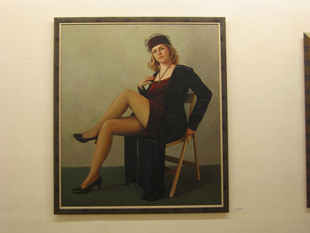 Художниц делающая картины женских писек, бабы переодели парня в женскую одежду и стали его иметь