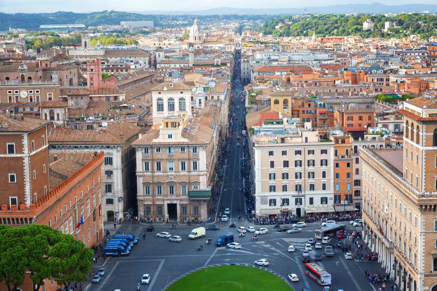 Вид на Рим с Монумента Витториано