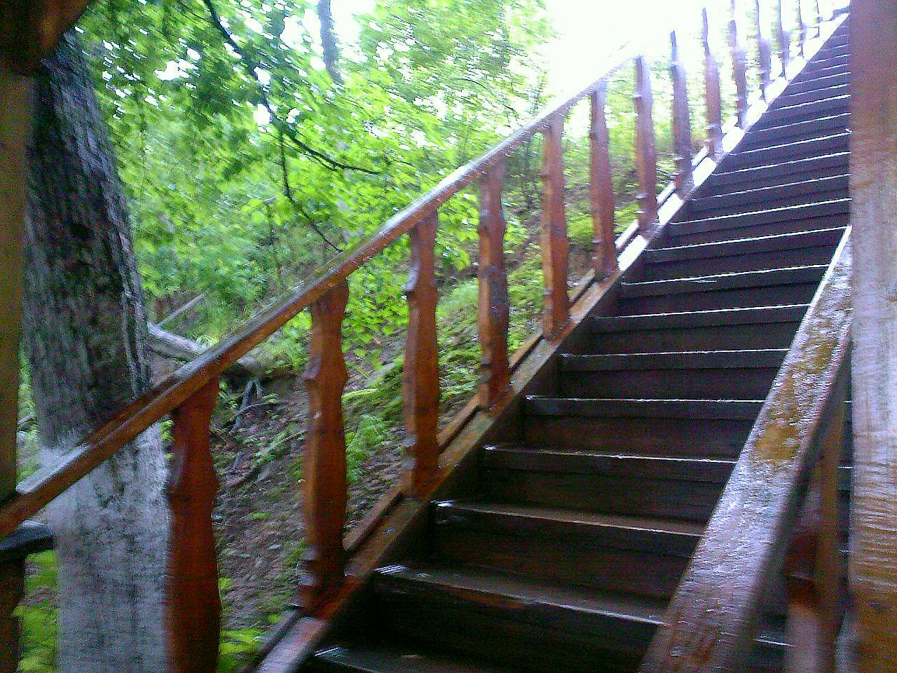 Мокрая лестница
