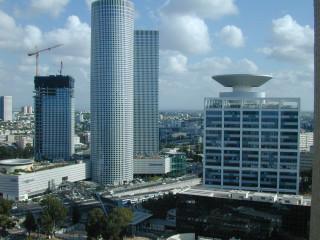 Башни Азриэли .октябрь 2006