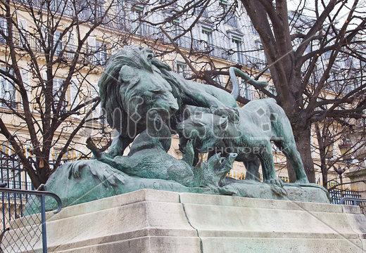 Лев и львица,-нападающие-на кабана(1882)в саду-Тюильри