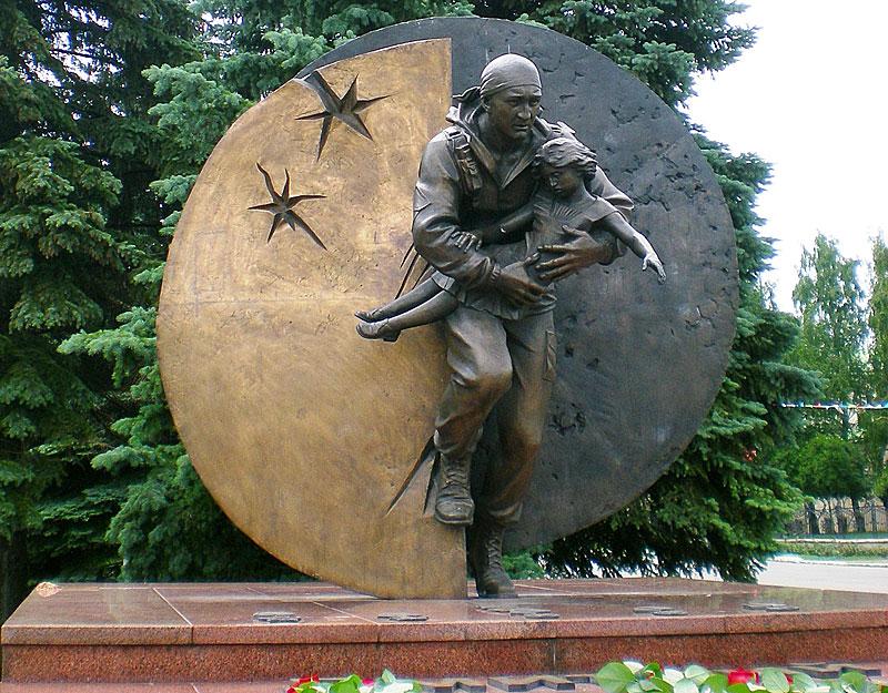 Памятник-Дмитрию-Разумовскому